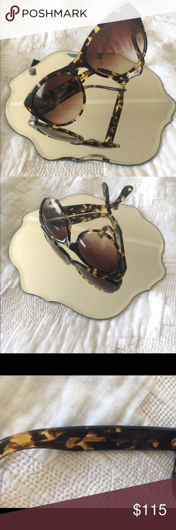 Oliver People's tortoise shell sunglasses Super cute and chic Oliver Peoples sunnies! Oliver Peoples Accessories Sunglasses