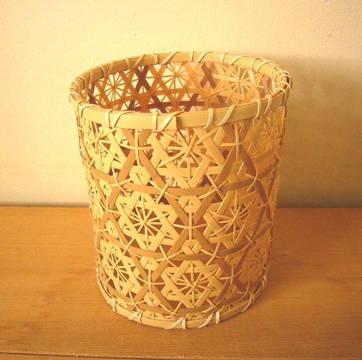 華やかな竹細工のインテリア「花六つ目円柱」