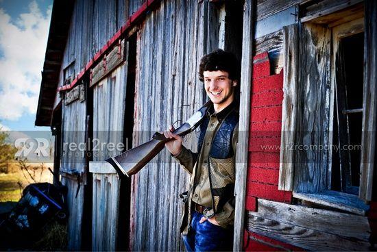senior picture ideas for guys | senior guy hunting portraits -