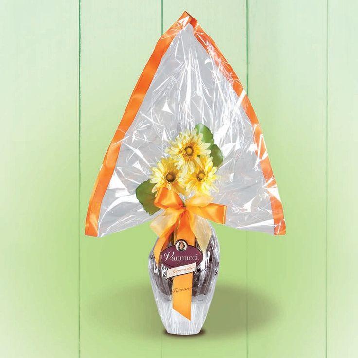 """Πασχαλινό αβγό """"Gourmet"""" του ιταλικού οίκου Vannucci από εκλεκτή σκούρα σοκολάτα 60% κακάο και κομμάτια από γλασαριμένη φλούδα λεμονιού! Περιέχει και κομψό δωράκι έκπληξη! Βάρος: 650γρ., Ύψος: 70εκ. Αποκλειστικά από την be sweet"""
