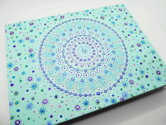 Mandala schilderen. kleine kunst aan de muur. Handgeschilderde hippie ...