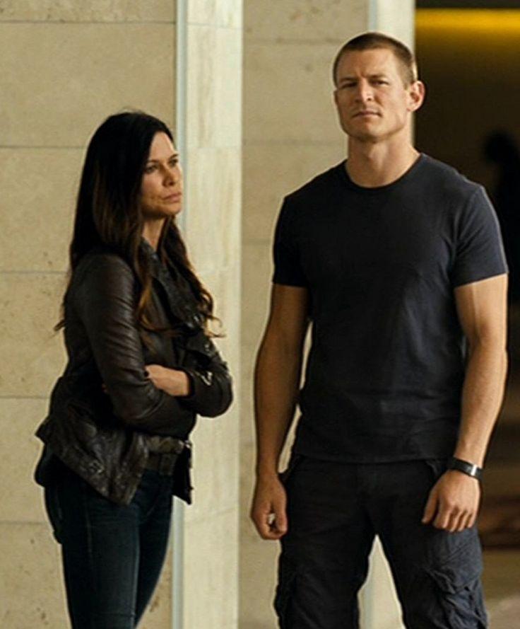Rhona Mitra & Philip Winchester aka Maj Rachel Dalton & Sgt Michael Stonebridege.
