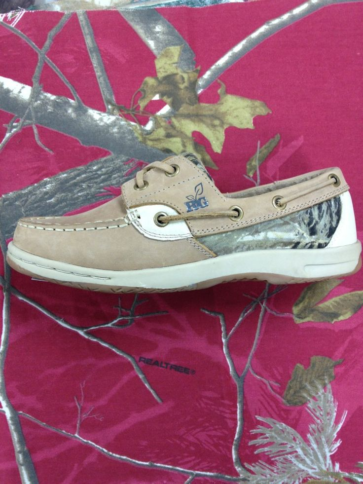 australiauggshoes.org What?! I found these in black and chestnut for $92! Amazing deal!!! I couldn't pin the discounted page.. Email me and I'll get you there