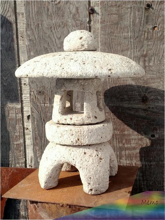 Apr 9 2020 Garden Lantern 18 Tall Simple Japanese Stone Style Etsy Japanische Steinlaternen Laterne Garten Pagode Garten