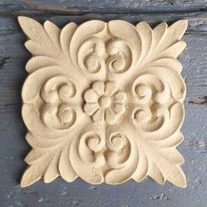 Fregio in pura pasta di legno