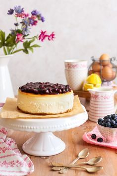 Aprende la mejor técnica para hacer una tarta de queso con arándanos auténtica. La auténtica cheesecake americana!.No te la pierdas!