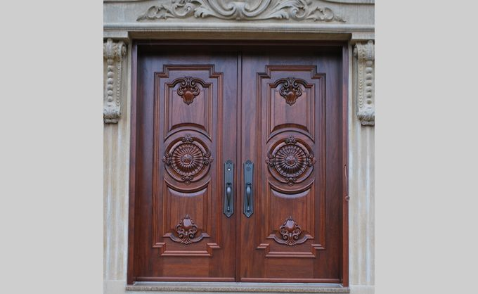 Wood Entry Door. For higher energy efficiency, long-lasting beauty and outstanding durability wood doors, call us!