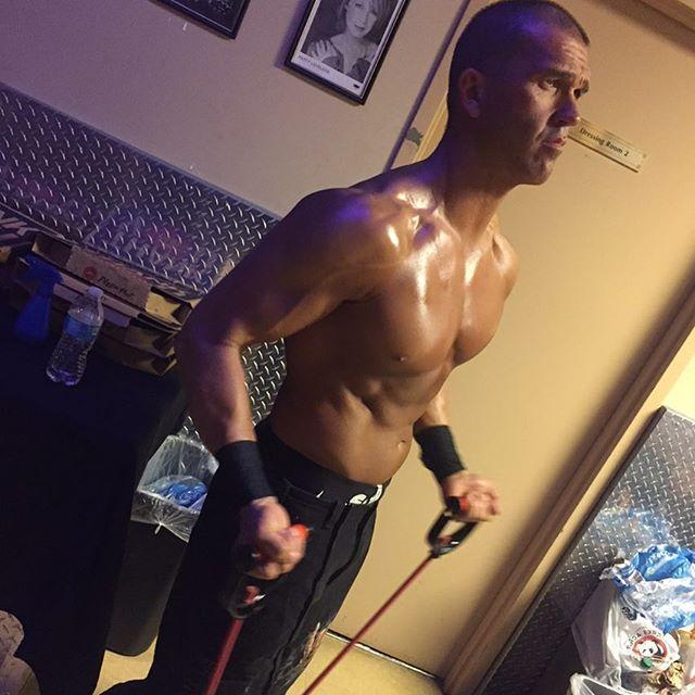 ringofhonor 6 Man Mayhem next! Frankie Kazarian vs Hangman Page vs Chris Sabin vs Punishment Martinez vs Cheeseburger vs Silas Young! #ROH15th  2017/03/11 11:21:29