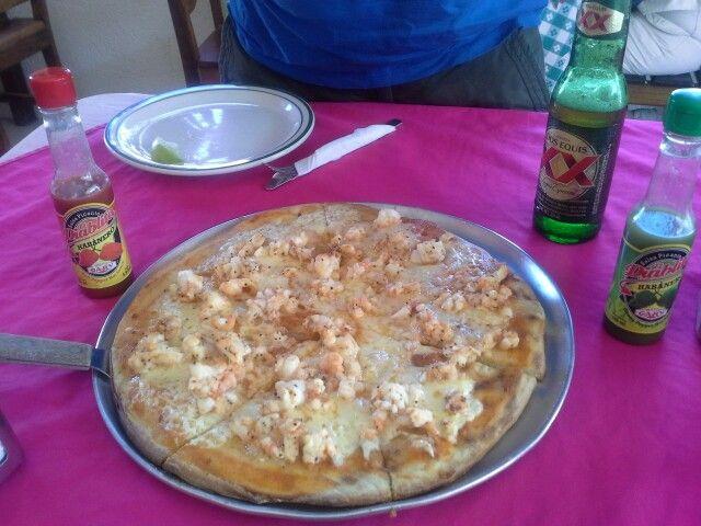 Pizza de langosta/ lobster pizza