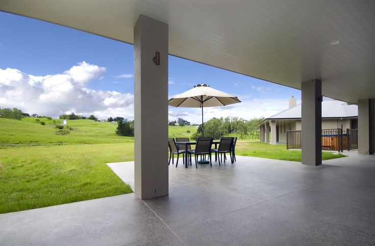 Another gorgeous outlook into New Zealand's beautiful outdoors viewable from your dining chair.