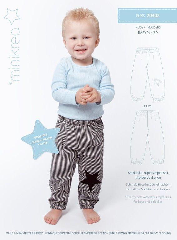 Smalle broek met heel eenvoudige snit, kan zowel voor jongens als meisjes. Super comfortabel en goede pas. Met heel wat variaties voor de jongens en ook enkele voor de meisjes ...
