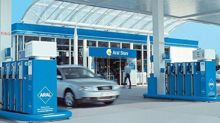 Encuentra las gasolineras más baratas para tu regreso a casa - http://www.actualidadmotor.com/encuentra-las-gasolineras-mas-baratas-para-tu-regreso-a-casa/