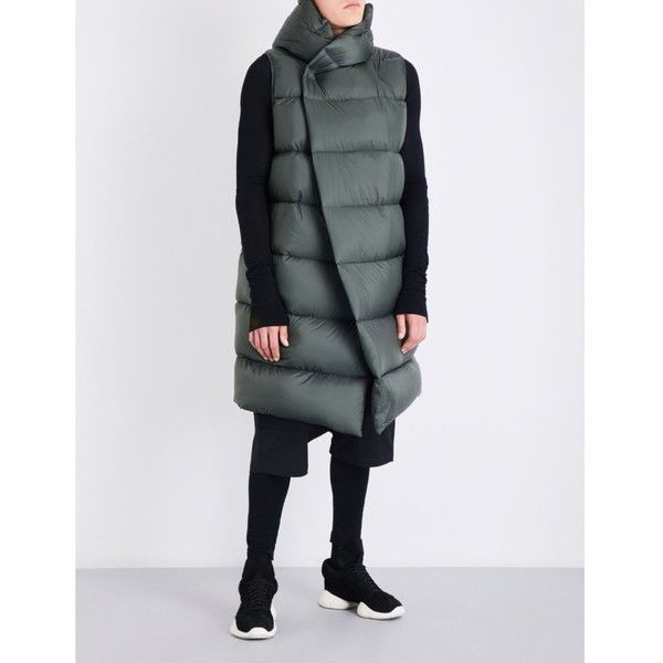 RICK OWENS Sleeveless quilted down jacket (965.390 CLP) ❤ liked on Polyvore featuring men's fashion, men's clothing, men's outerwear, men's jackets, mens hooded down jacket, mens quilted nylon jacket, mens sleeveless jacket, mens quilted jacket and mens nylon jacket