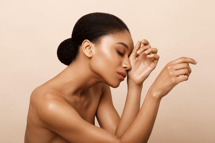 © Kriss Logan, photo beauté, modèle métisse, make up naturel doré, summer, maquillage d'été, brillant, lumineux, beauty.