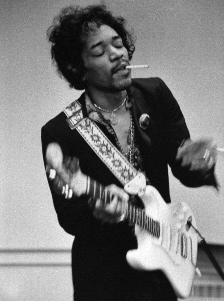 IlPost - Jimi Hendrix nel 1967 (AP Photo/Linda McCartney) - Jimi Hendrix nel 1967 (AP Photo/Linda McCartney)