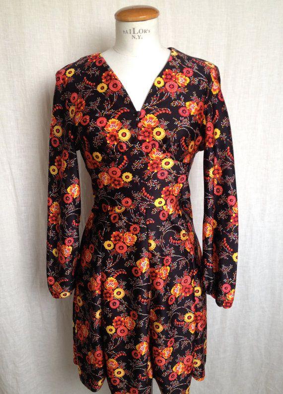 Abito in jersey ottoman fantasia floreale, vintage, Parigi, Kiliwatch / Vingate french dress with flowers, Paris, Kiliwatch. https://www.etsy.com/it/listing/224935412/abito-in-jersey-ottoman-fantasia?ref=shop_home_active_2 #dress #vintage #kiliwatch