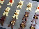 お菓子・パン作りやギフトラッピングのお手伝い!。クッキー型 くま 抱っこくま テディベア 4.5cm クマ アーモンド クッキー 型 クッキー抜き型 抱っこぐま