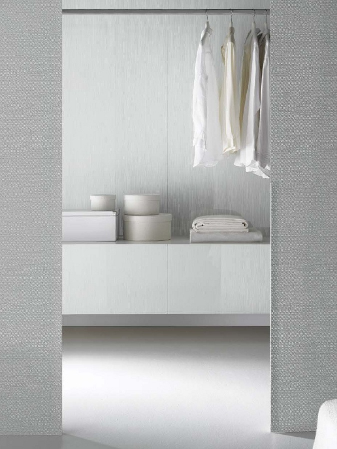 Surfaces #glass by Vitrealspecchi #white #minimal #bedroom #wardrobe