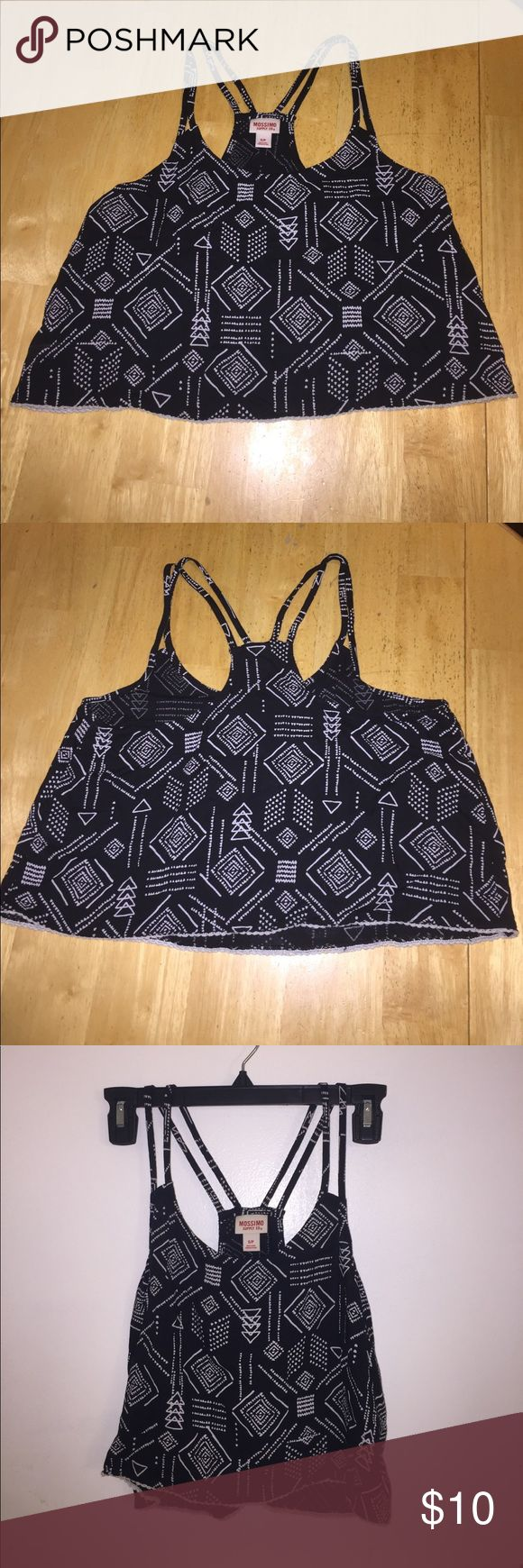 Black and white flowy crop top Black and white Aztec pattern flowy crop top!! Great condition!!! Mossimo Supply Co Tops Crop Tops