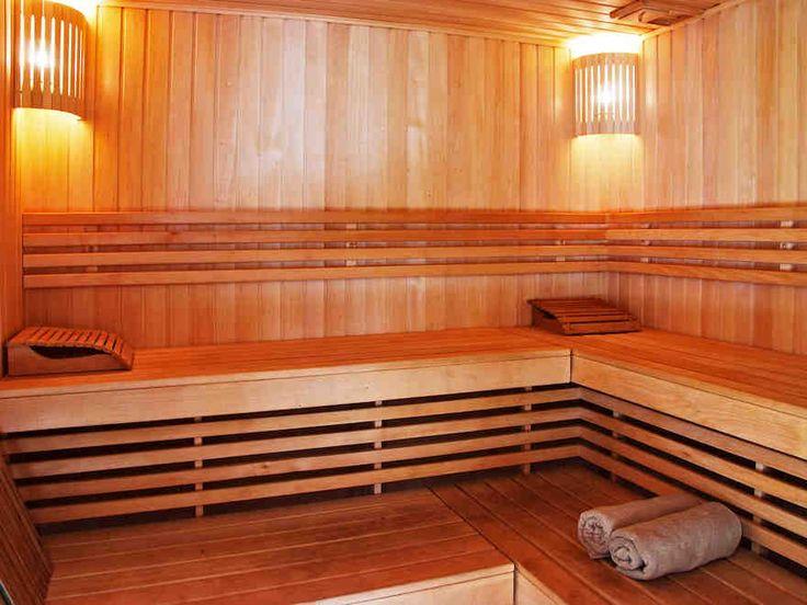 Saunaremontin tekeminen onnistuu pitkälti omatoimisesti, mutta edellyttää hyvää suunnittelua ja huolellisuutta. Tärkeää on varmistaa saunan veden- ja...