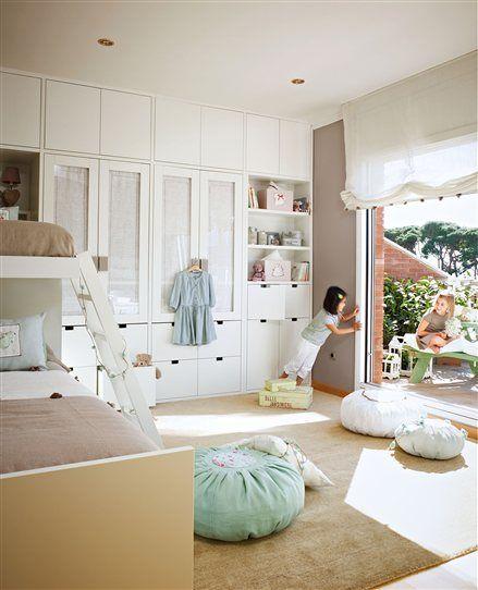 Dormitorio infantil con gran armario empotrado