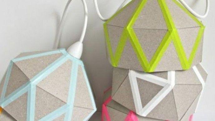 Lampenschirme selber machen aus Pappe und farbigem Washi Tape