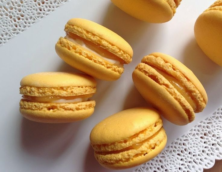 VÍKENDOVÉ PEČENÍ: Citronové makronky