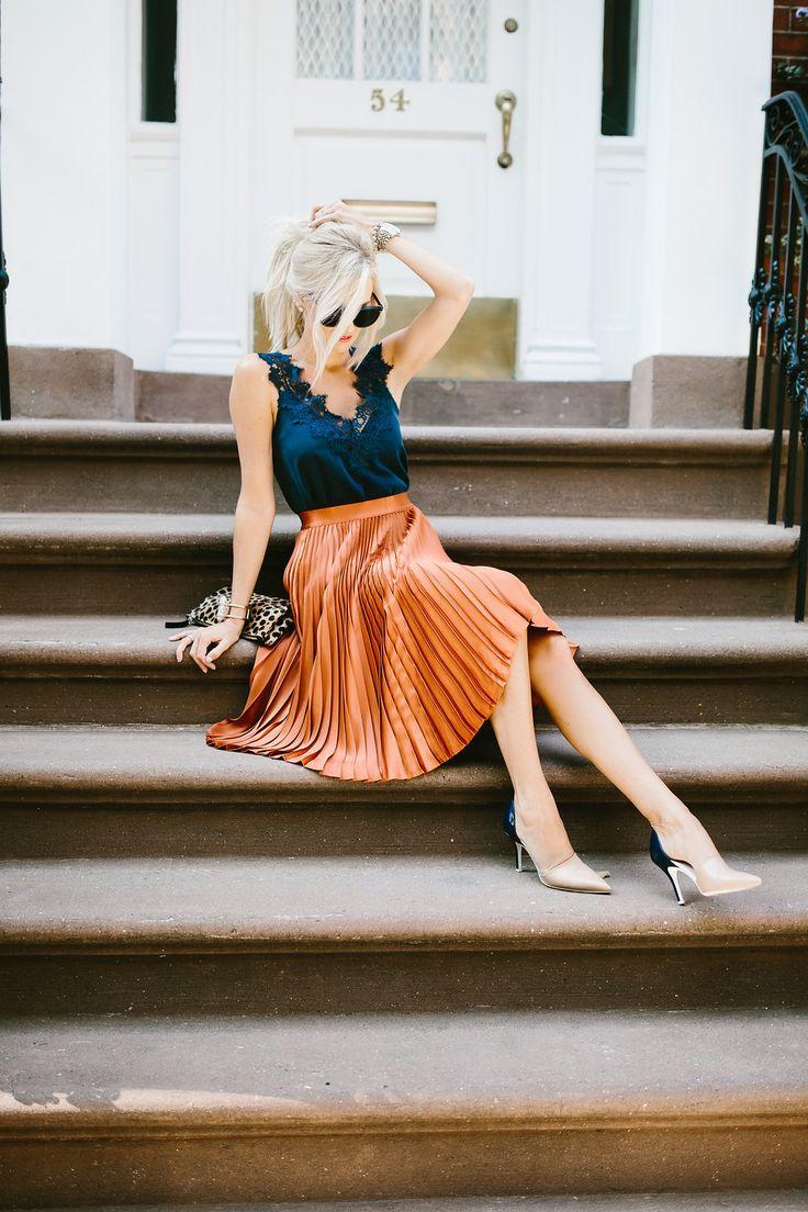 Navy Lace Tank + Pleated Skirt | Mckenna Bleu | Bloglovin'