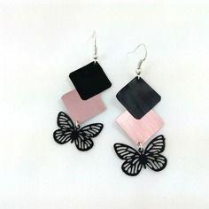 Boucles d'oreilles roses et noires en capsule de café nespresso et papillon noir