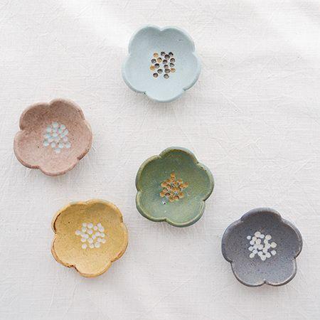 MACARON(沖澤真紀子)花型豆皿【マカロン小皿作家の器陶器】