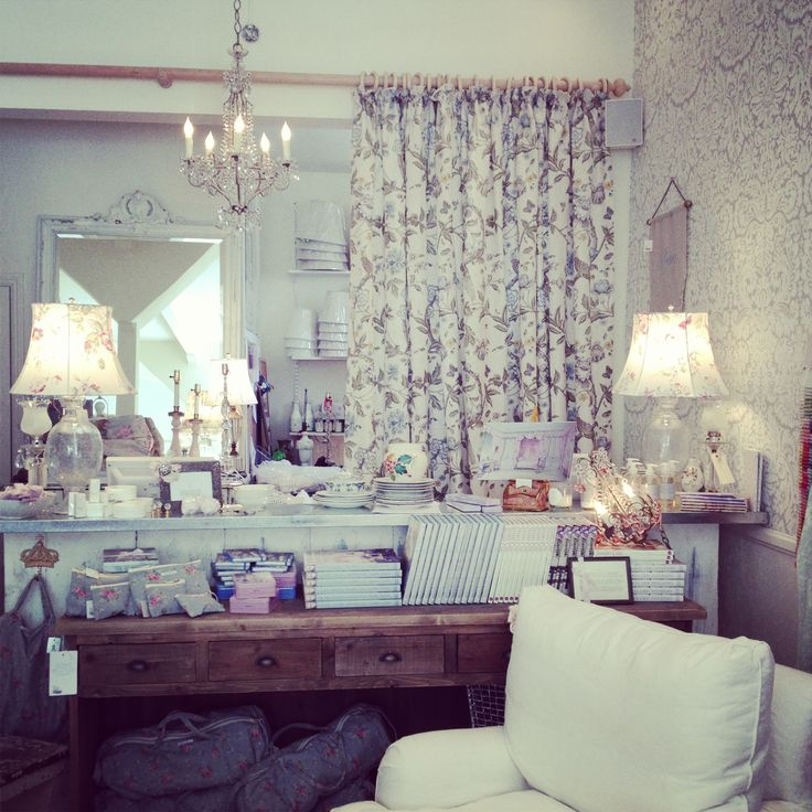 RACHEL ASHWELL SHABBY CHIC COUTURE STORE (San Francisco)
