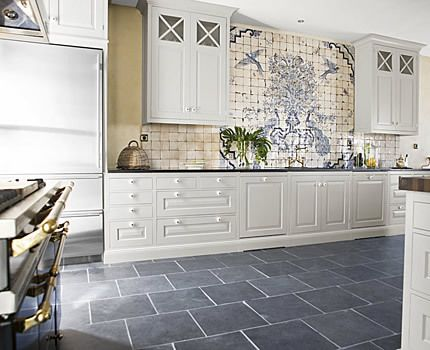 Cream color kitchen cabinets and slate floor slate for Slate blue kitchen decor
