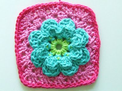 Patroon Granny Bloem. Granny Flower Square tutorial, in Dutch by Petite Fee.