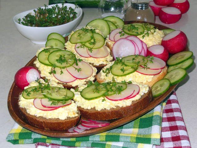 Рецептоиспытатель: Бутерброды с яичницей и овощамиЗамечательный сытны...