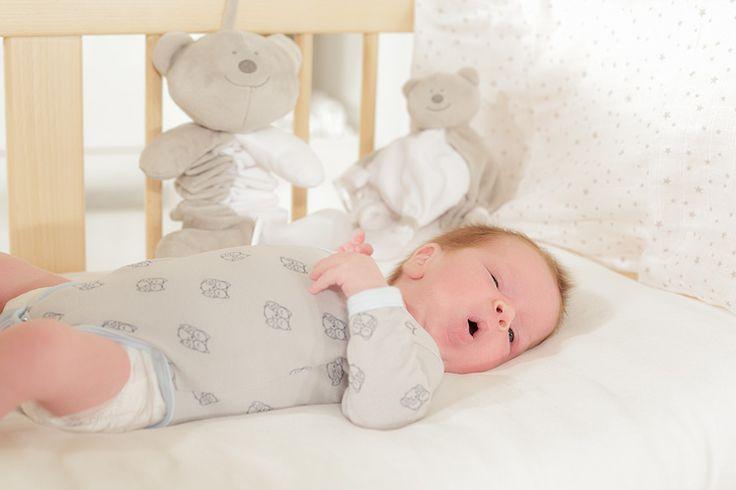 """Trop beau ce nouveau-né dans le body à motif """"chouette"""""""