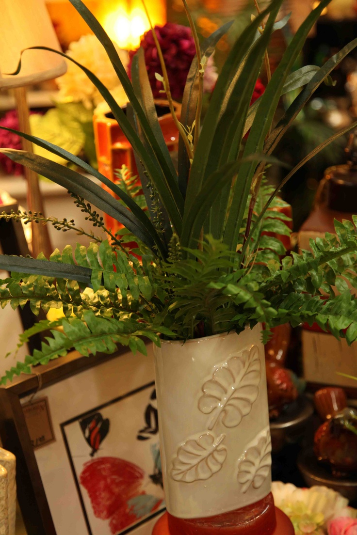 Silks pothos desk top plant in pot amp reviews wayfair - Silk Floral Arrangement Www Evergreenmfg Net