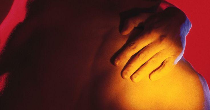 Exercícios para reparar e reabilitar um labrum rompido sem cirurgia. O labrum é a cartilagem da articulação do ombro, e do quadril, que proporciona um suporte em forma de taça para os ossos dos braços e pernas, respectivamente. O labrum pode romper quando muita tensão é colocada sobre ele. Dor ao realizar certos movimentos ou uma sensação dolorosa na articulação são indicativos de um rompimento. Às vezes, uma ...