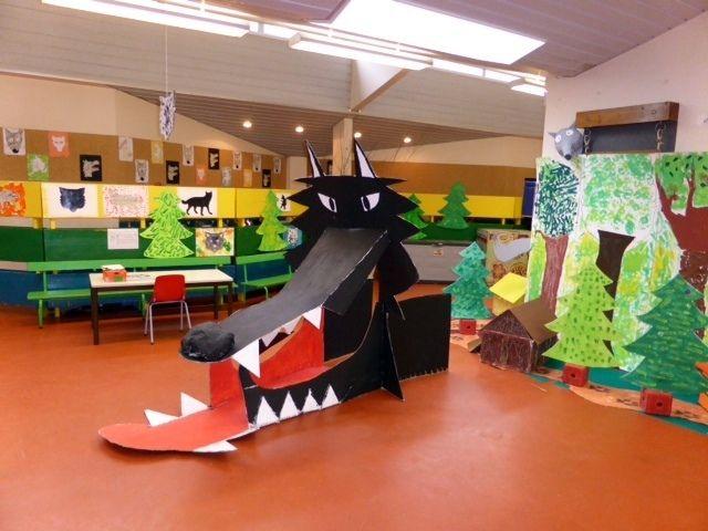 mardi 25 mars Ce mardi, les lecteurs de Lfl ainsi que les parents étaient invités à participer à l'école Louis Buton à la semaine sur le loup. Dans une grande salle claire où sont exposés leurs dessins, les enfants découvrent des livres sur le loup et...