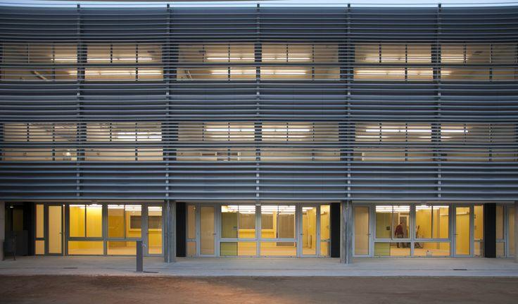 Nova Escola em Cervelló / BCQ Arquitectura