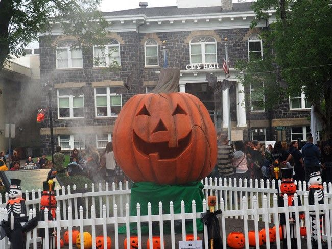 Halloweentown actually exists in St Helens, Oregon