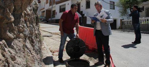 Mancomunidad renueva las redes y acometidas de la calle principal de Lentegí