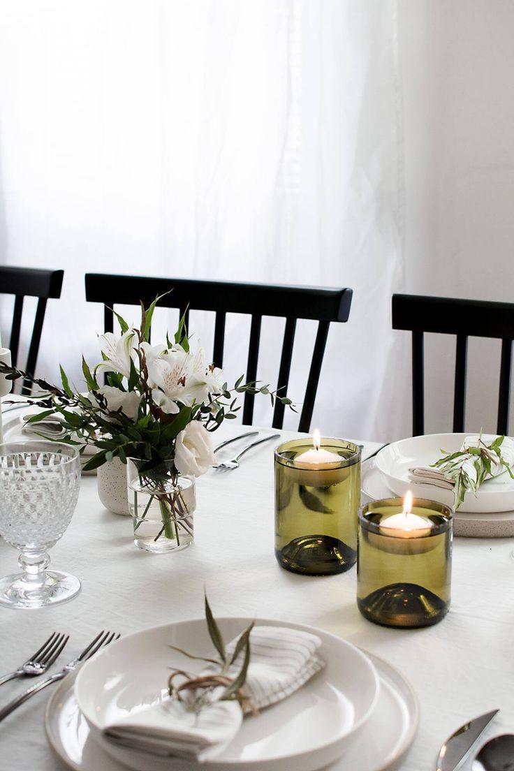 Gör vinflaska till ljushållare Släng inte dina vinflaskor som du har hemma, återbruka och gör dem till ljushållare med flytande värmeljus inuti. Det är så himla snyggt. Imponera på vännerna vid din nästa bjudning med supersnygga ljushållare på bordet. Har du många vinflaskor att välja mellan, använd de med snygg färg, som den gröna i …