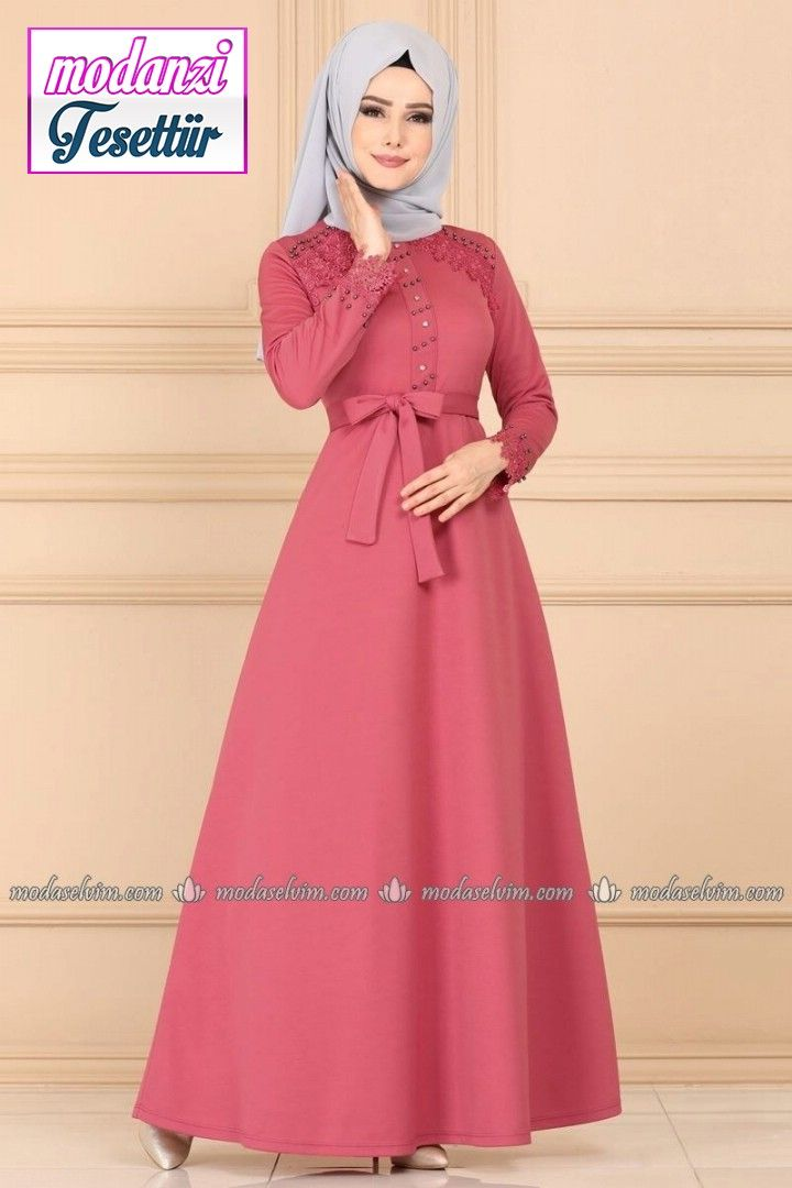 Dantel Detay Tesettur Elbise Pl828 Gul Kurusu Moda Selvim 2020 Elbise Moda Stilleri Elbise Modelleri