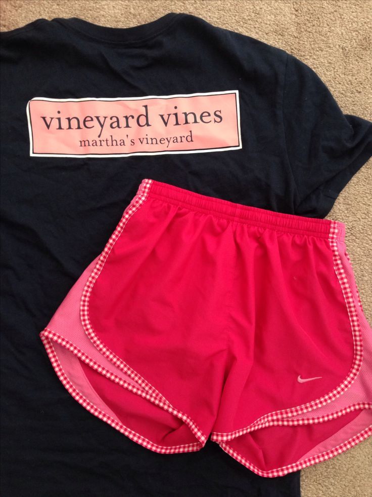 Vineyard Vines tee & hot pink Nike running shorts