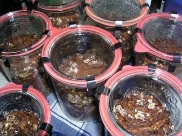 Schwarzbrot im Weckglas Rezept - Rezepte kochen - kochbar.de