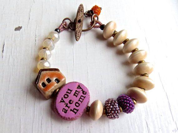 Du bist meine Heimat - handgemachte Armband, Rosa Armband, Creme Perlen Armband, Pfirsich-Armband, Keramik-Schmuck, Perlen Schmuck, Songbead, uk