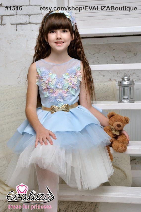 Hermoso vestido azul de flor de princesa para cumpleaños, boda, fiesta o toda ocasión especial. ¡Sólo modelos exclusivos y hechos a mano alta calidad! Precio regular: $130. Venta: sólo $95! REGALO - una venda de la muchacha del hanmade al comprar vestidos en nuestra tienda! Color