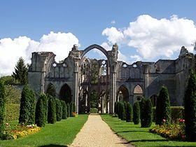 Ruines de l'Abbaye Notre-Dame d'Ourscamp. Picardie