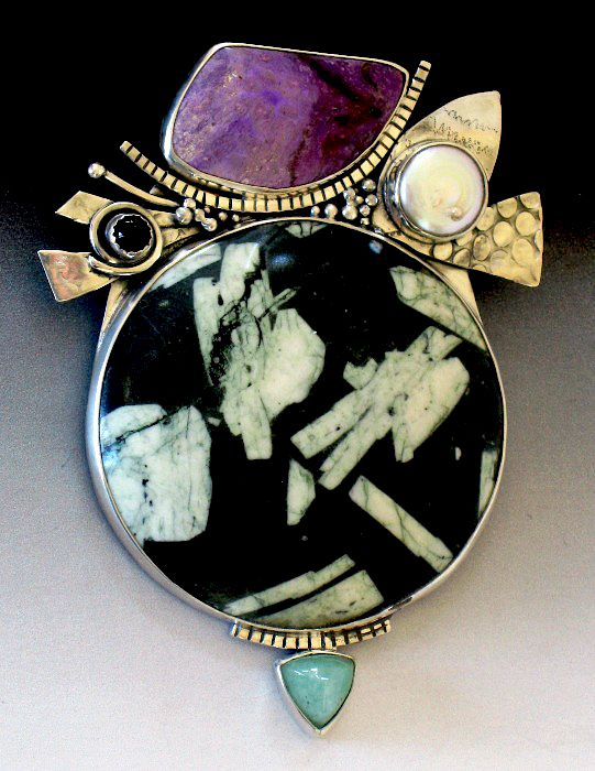 contemporary jewellery essay Essay about the jewelry the jewelry guy de this paper also considers how jewellery has become an essential fashion accessory for the contemporary.