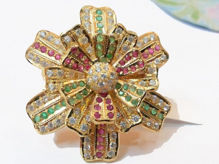 Labh Chandra Exports offer you high Quality Handmade Work with our finest craftsmanship.some of products have 3-Dimensions looks. You looks so different in the party. It flourished under royal patronage during the Mughal Era.Some of the articles have Ruby, Emerald, American Diamond etc.